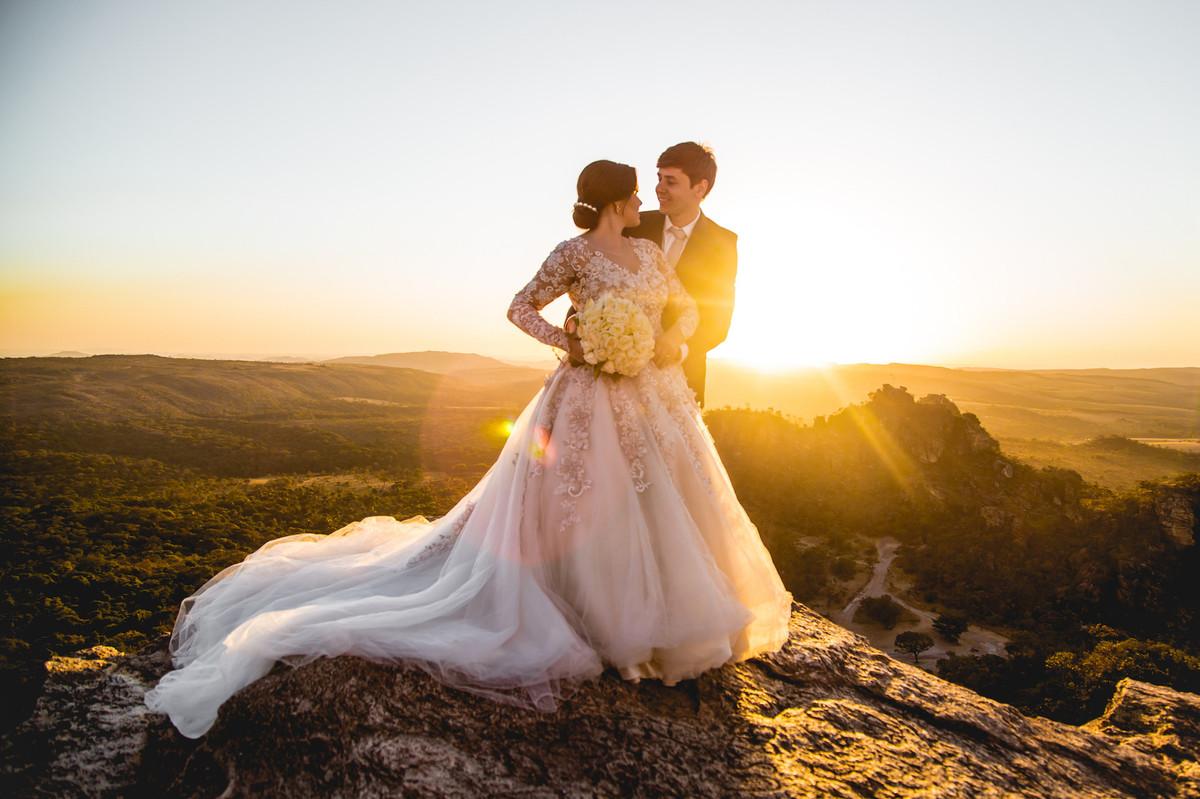 trash de dress, pirenopolis, goias, goiania, fotografia, fotografo de casamento, fotografo, fotografia de casamento, pre casamento, casamento com estilo, instalove,, cachoeira, bmw, noiva de bmw