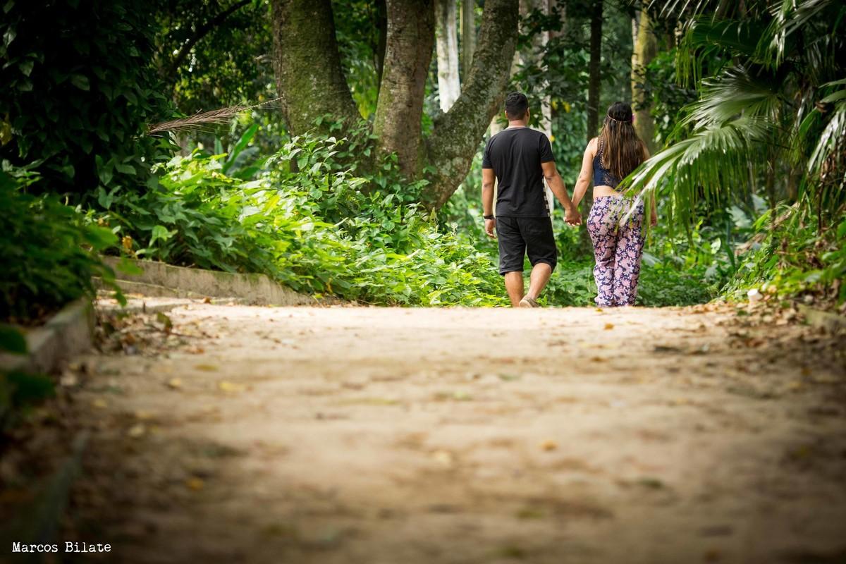 marcos bilate ensaio gestante parque lage rio de janeiro rj casal mão dadas caminho