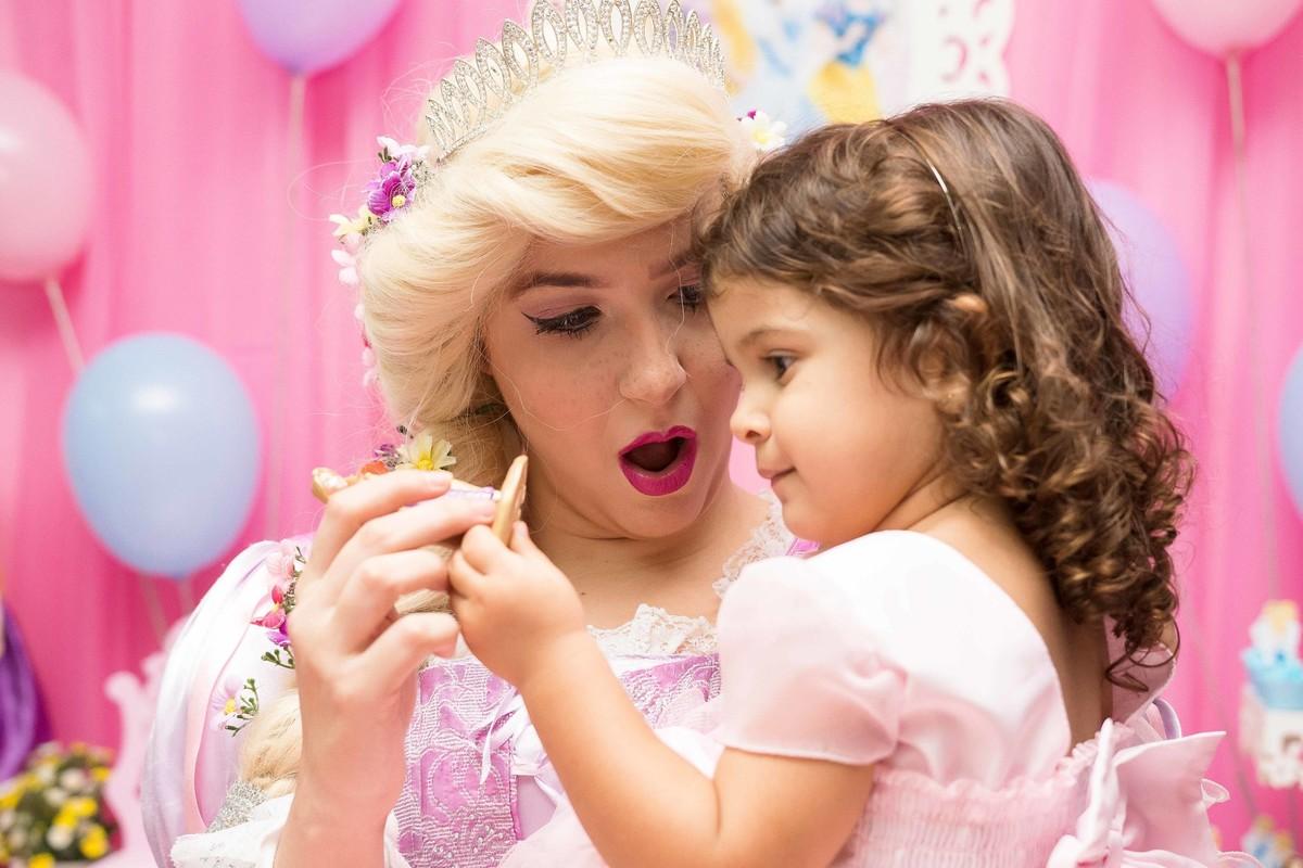 aniversário rio de janeiro cara de surpresa princesas disney rapunzel