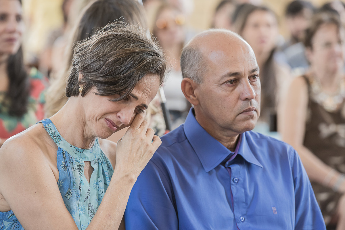 marcos bilate mangaratiba itaboraí rio de janeiro niterói casamento buque fotógrafo pais noiva emoção lágrima camisa azul vestido mãe pai