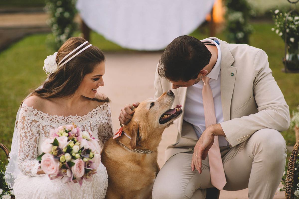 Casamento Lívia e Fernando, Campinas - SP, Quinta das Bromélias, cachorro do casal, labrador zara
