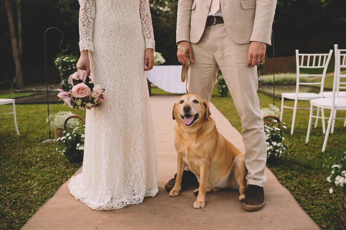 Casamento Lívia e Fernando, Campinas - SP, Quinta das Bromélias, labrador do casal, zara