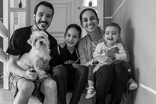 Sobre Fotógrafo de casamento em Guaratinguetá, Lorena e Aparecida, SP. Ensaio fotográfico de casal em Paraty, RJ.