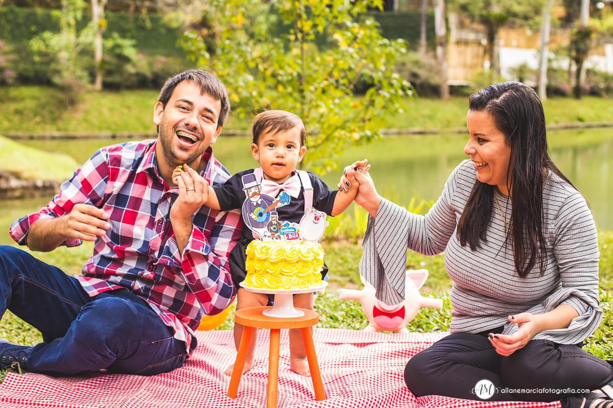 smash the cake com familia