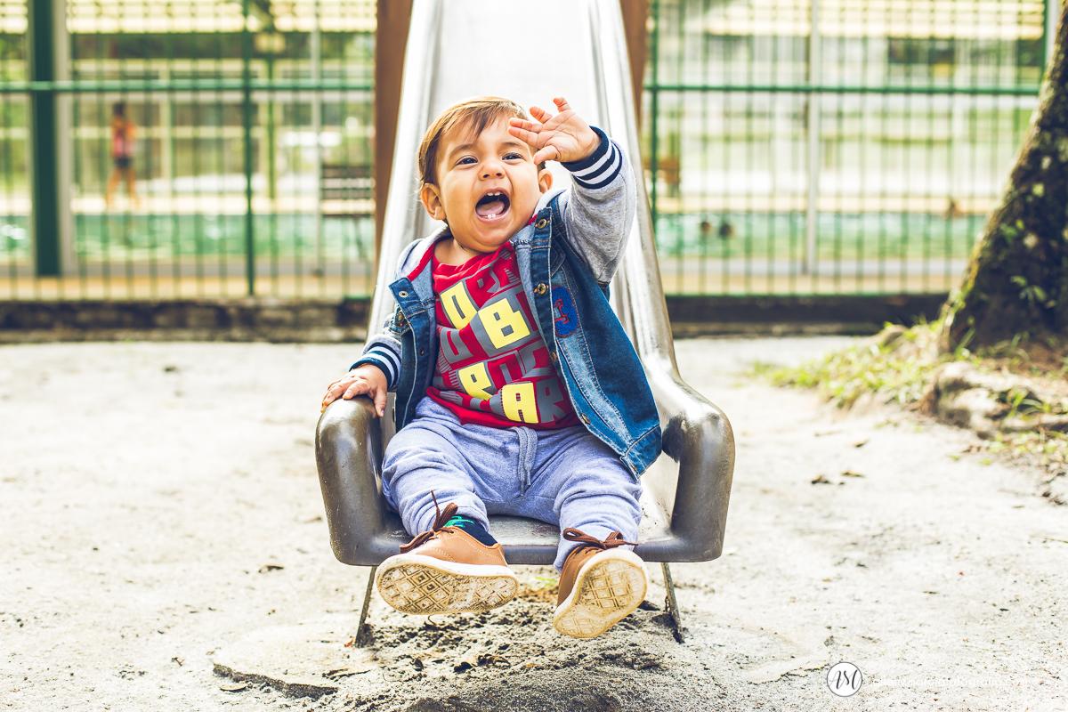 ensaio criança no escorrego