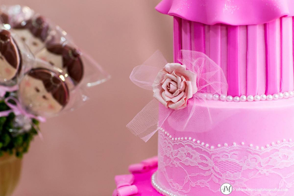 detalhes do bolo para festa infantil
