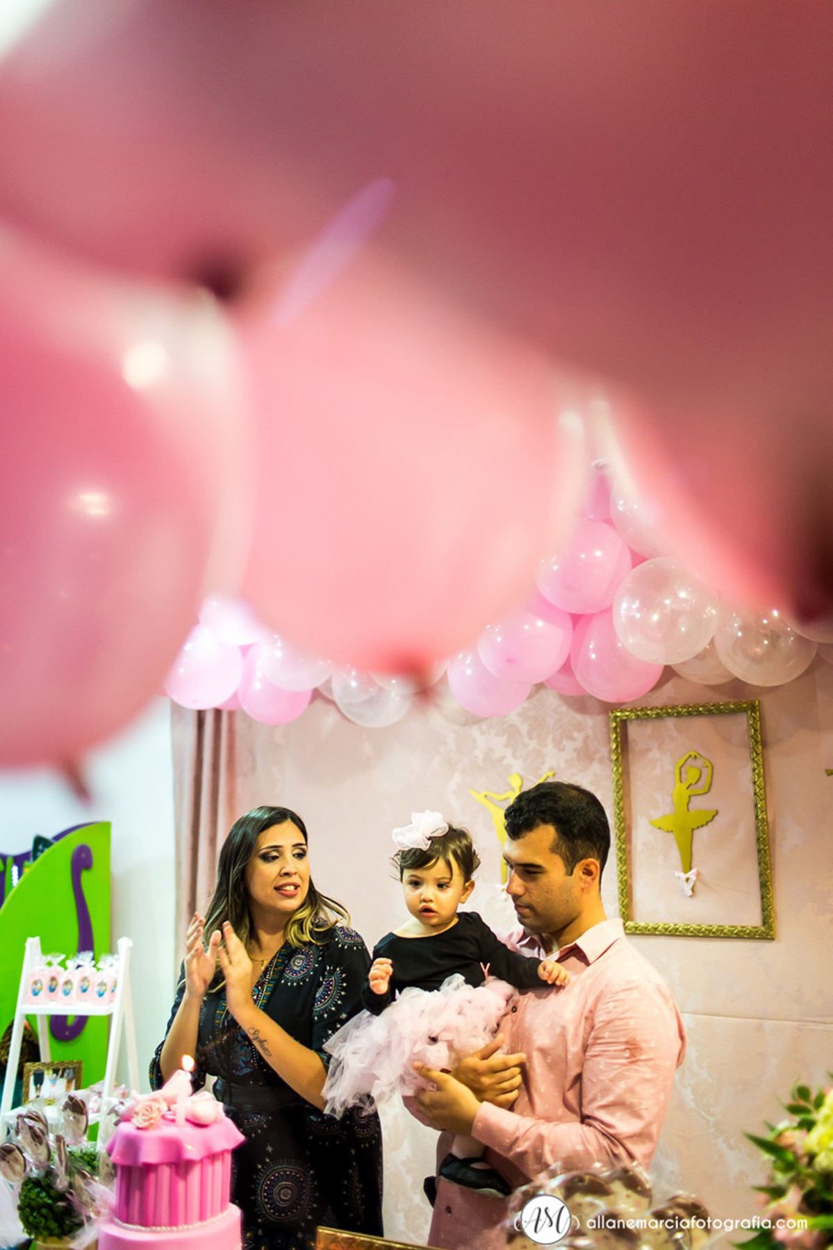 cantando parabéns para filha