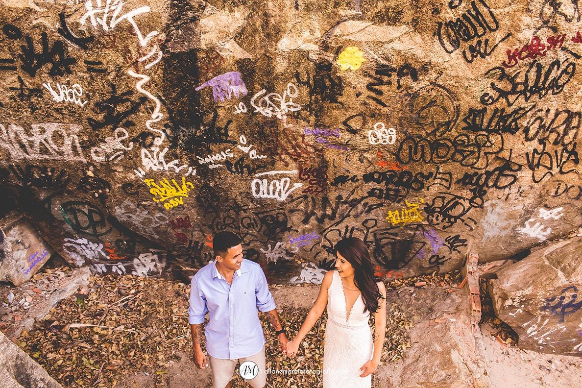 foto de noivos em parede pinchada