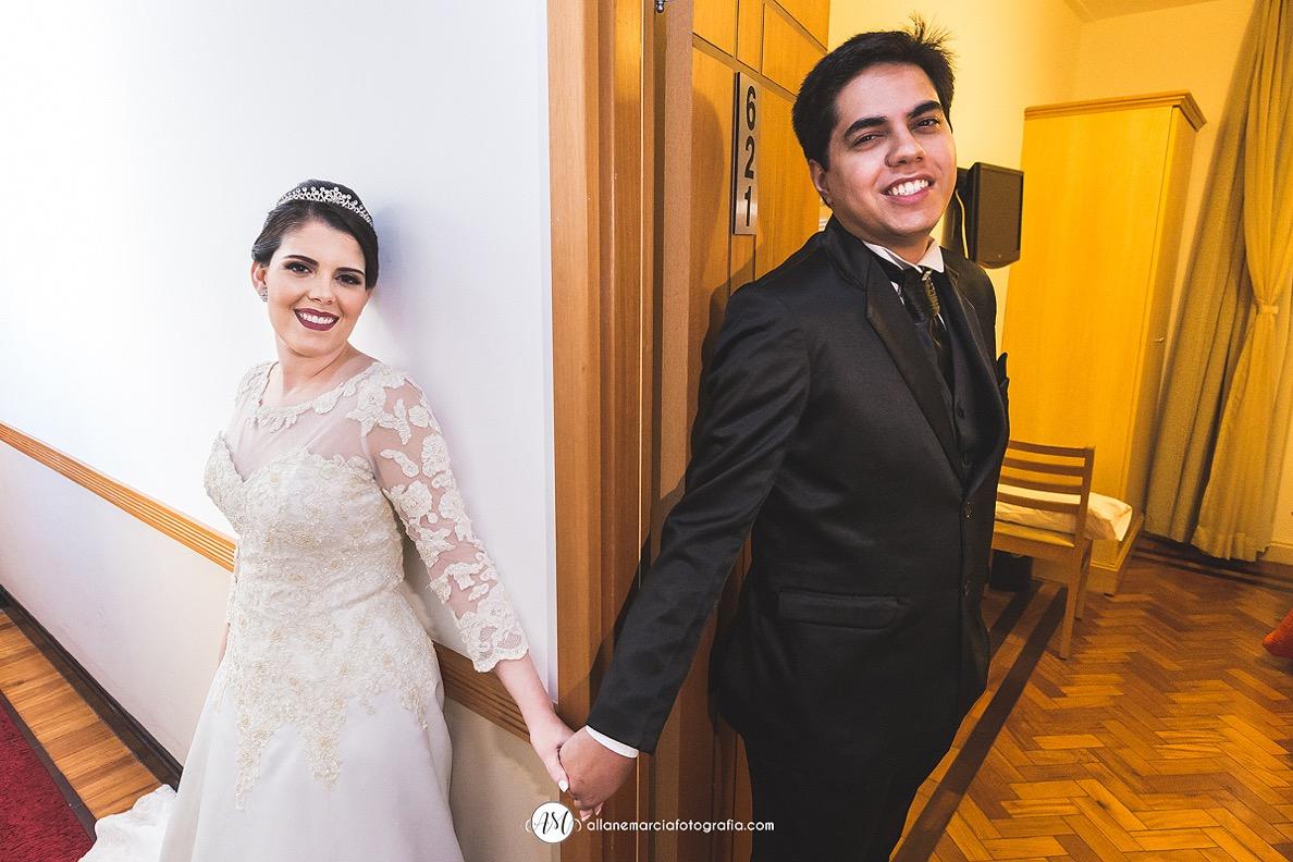 noivos se tocando antes de casar