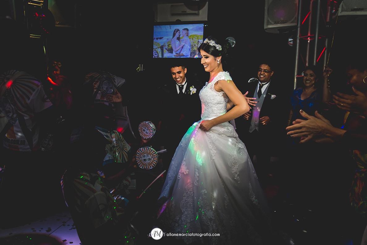 Escola de samba em casamento