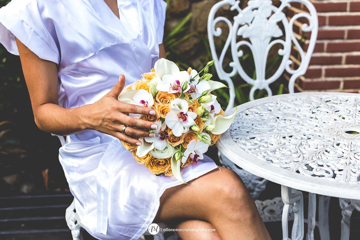 buque com flores naturais