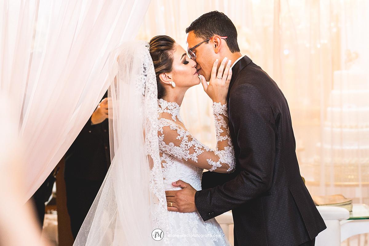 beijo dos noivos criativo