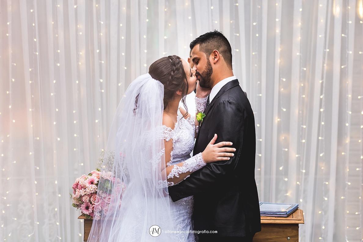beijo dos noivos