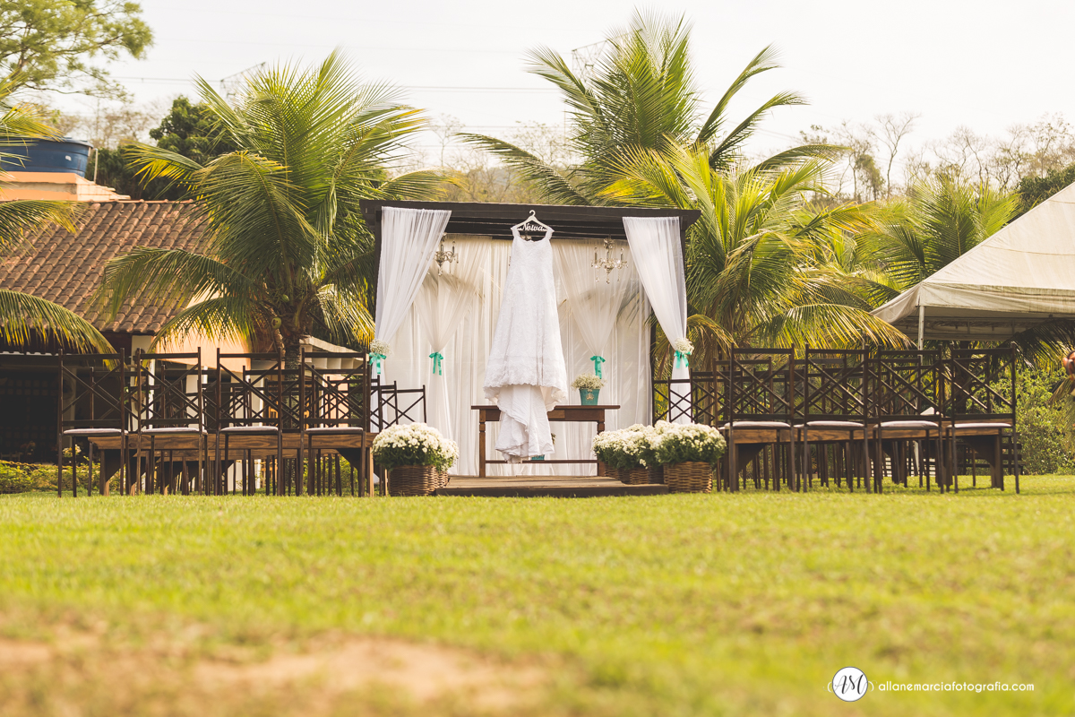 Vestido da noiva pendurado