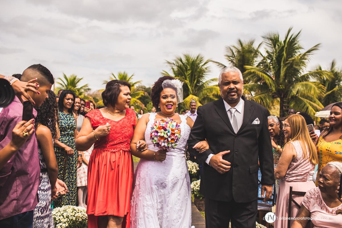 entrada da noiva com os pais