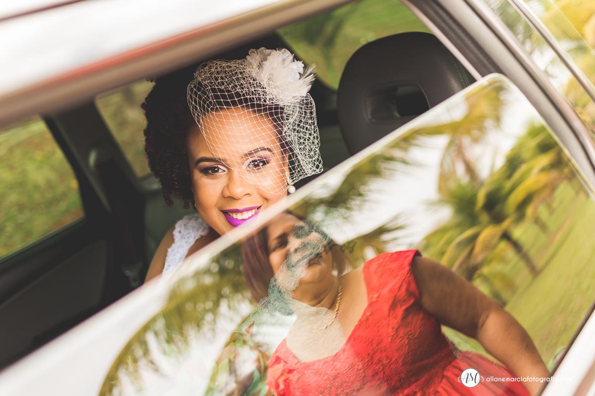 fotografia criativa da noiva com a mãe