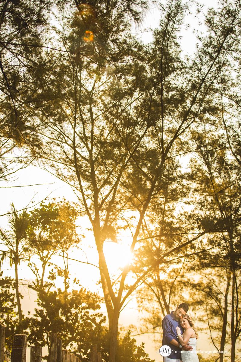 noivos no por do sol