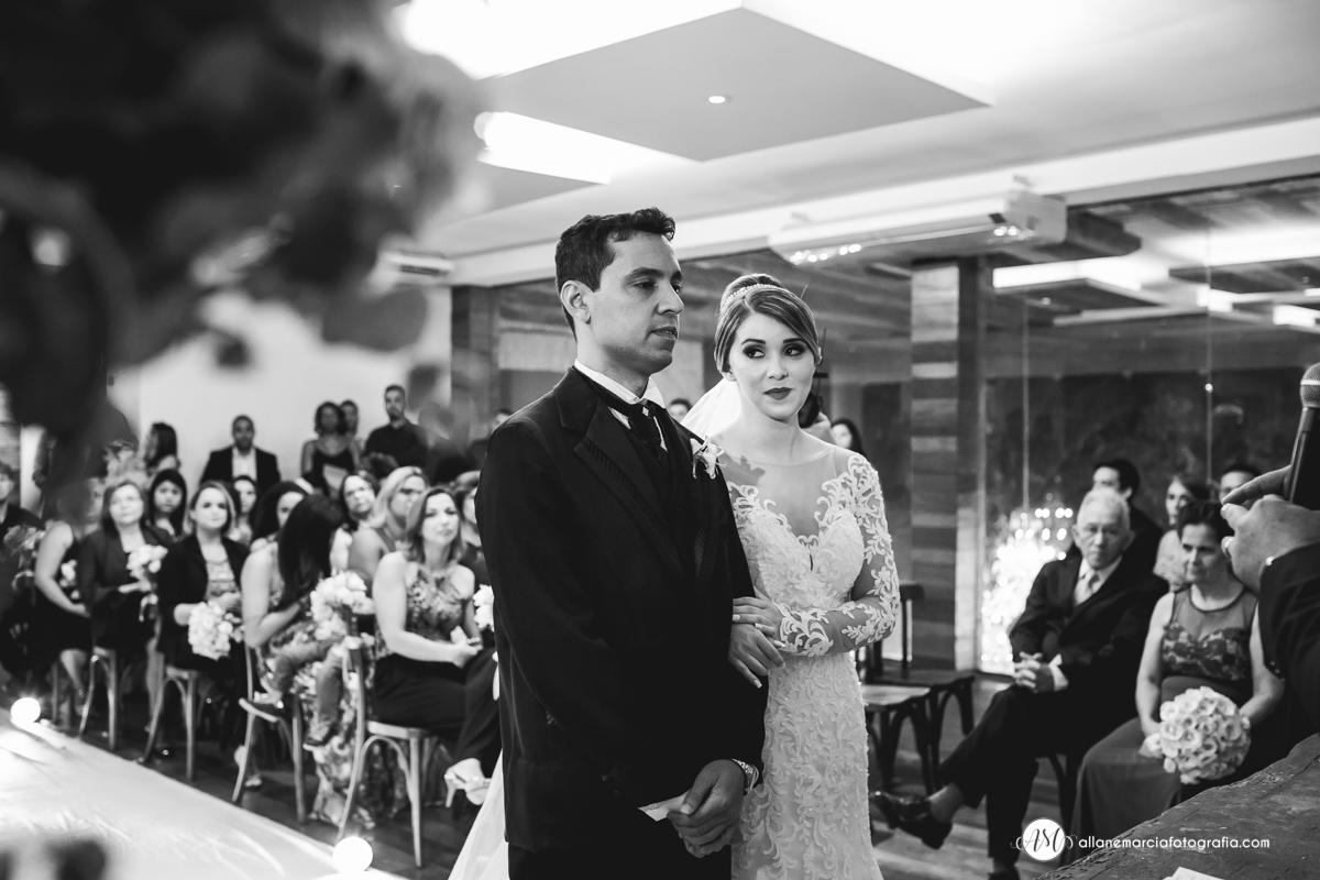 casal em cerimonia