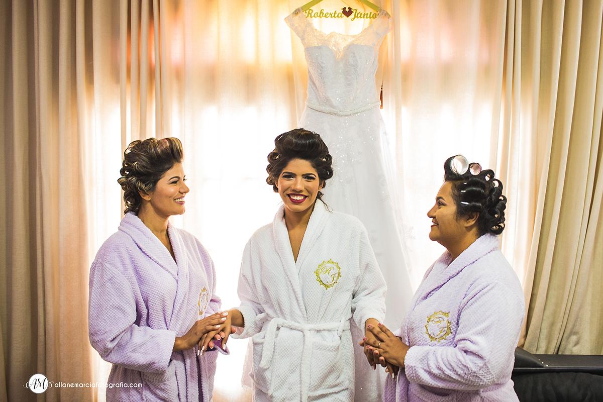 noiva com a mãe e a sogra
