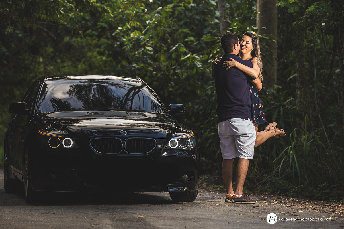ensaio de casal com carro bmw