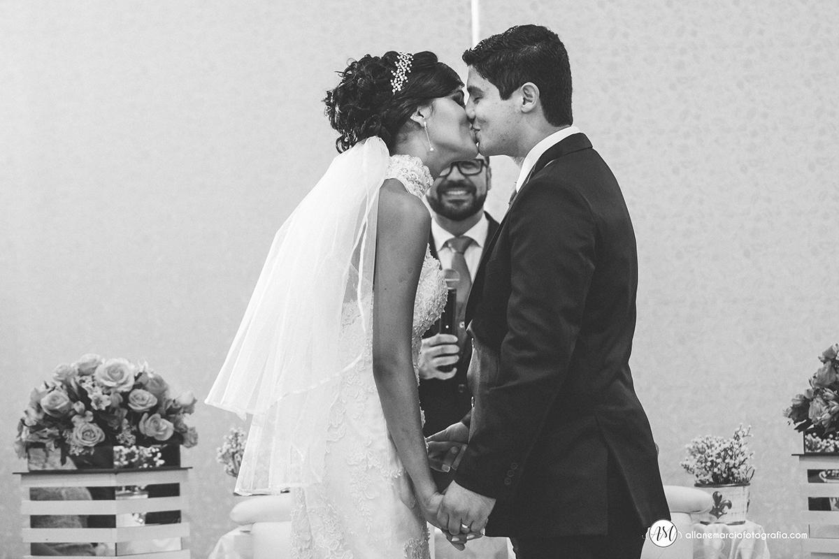 beijo de noivs