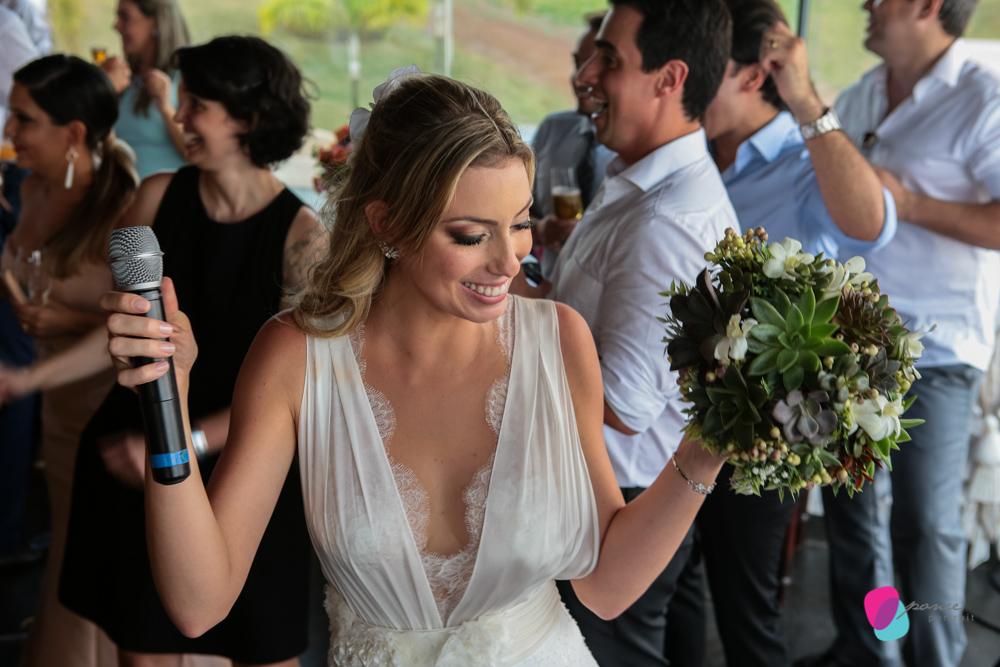 noiva, casamento, wedding, vestido de noiva, loira, carro de noiva, pai de noiva, bouquet, suculentas, atma, resort, chapada dos guimaraes, mato grosso, cuiaba, casamento na chapada, criancas, kids, noivo,