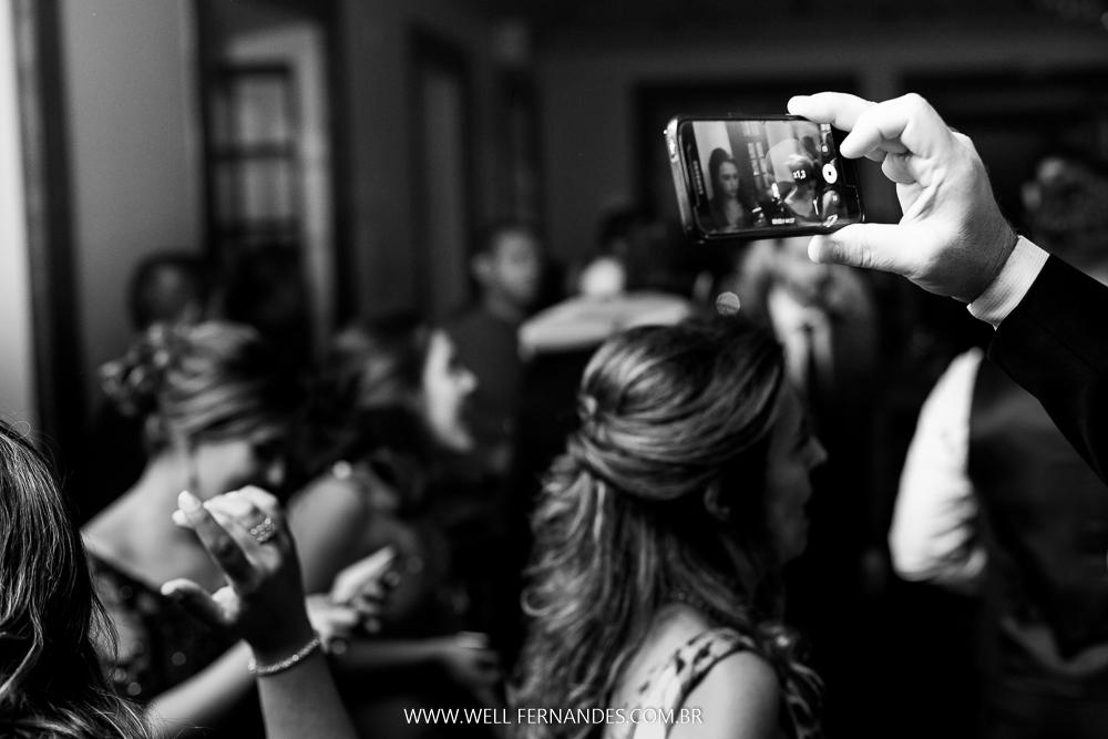 celular no casamento