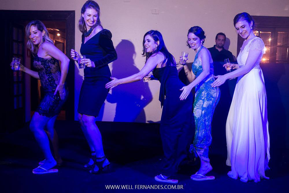 dança com a noiva na festa