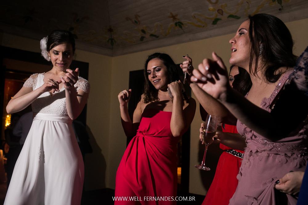 irmã e noiva na festa