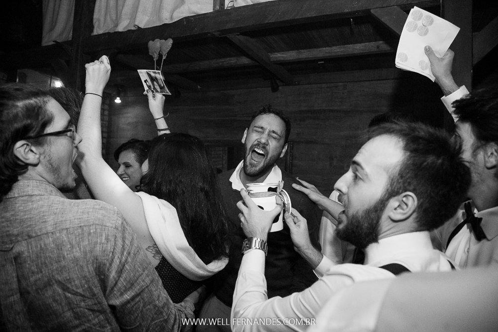 descontração na festa de casamento