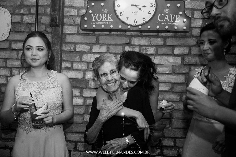 abraço na avó