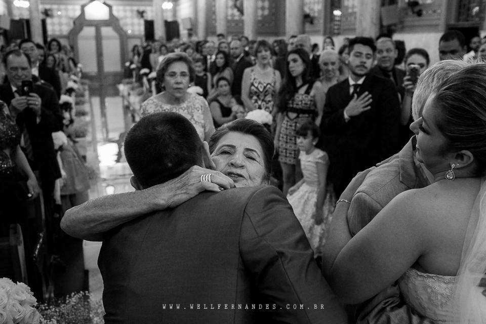 Linda cerimonia em um bela Igreja