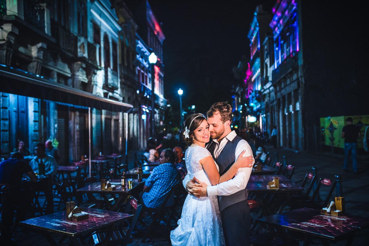 Ensaio do noivos Karine e Pedro depois do casamento na rua do Lavradio, Rio Scenarium, Rio de Janeiro/RJ