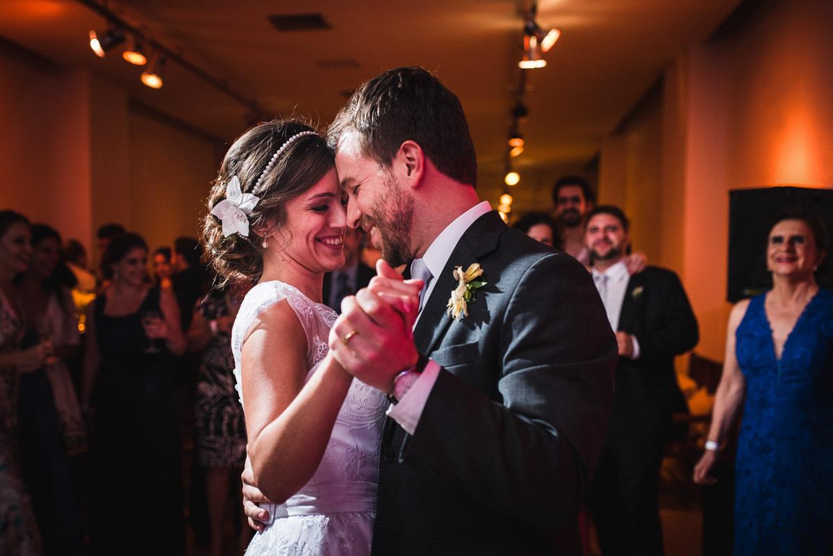 Dança do casal Karine e Pedro para abrir a pista na festa de casamento na Galeria Scenarium/Rio Scenarium, Rio de Janeiro/RJ