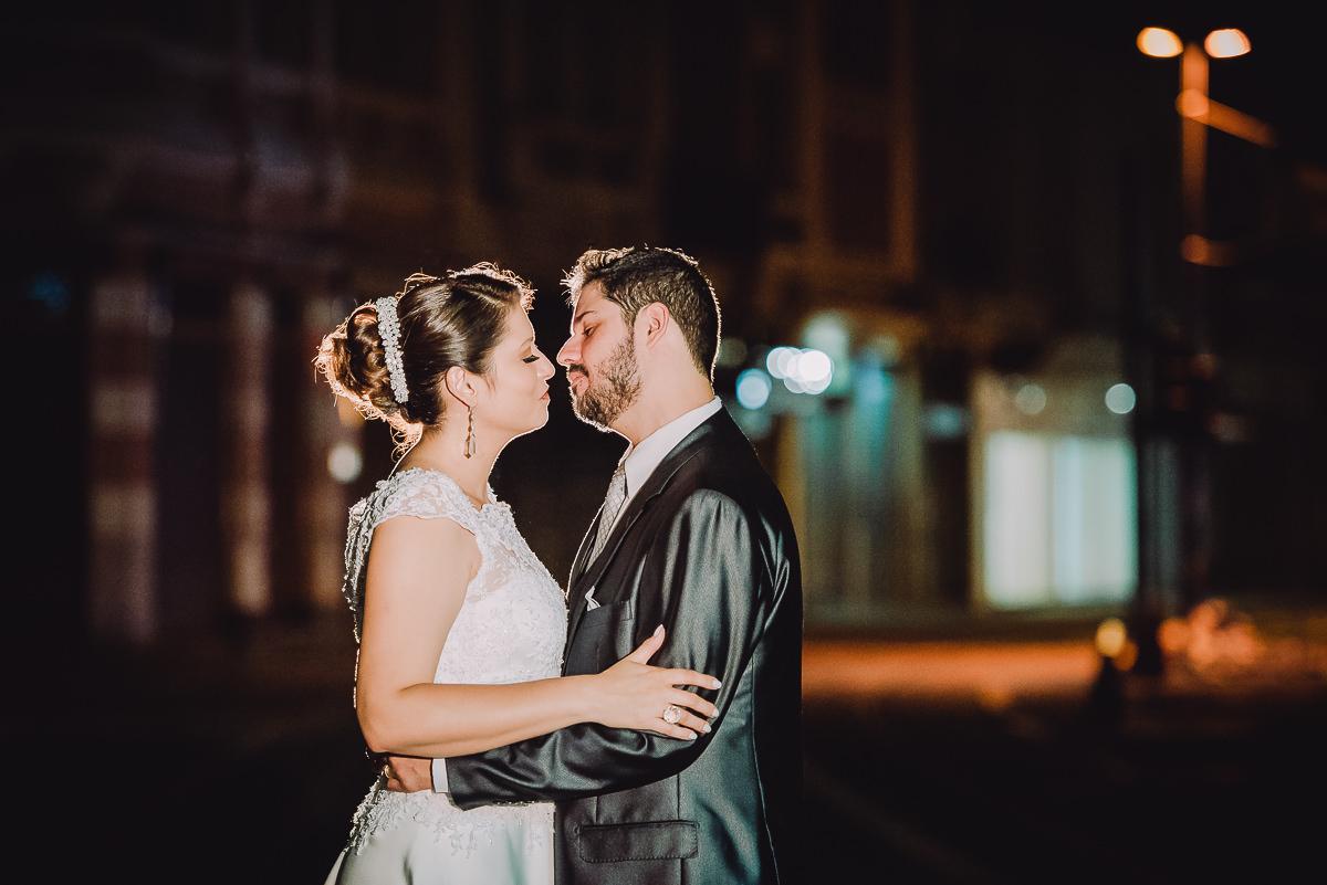 Ensaio do casal Débora e Leonardo no Centro do Rio após a cerimônia do seu casamento na Confeitaria Colombo, Rio de Janeiro-RJ