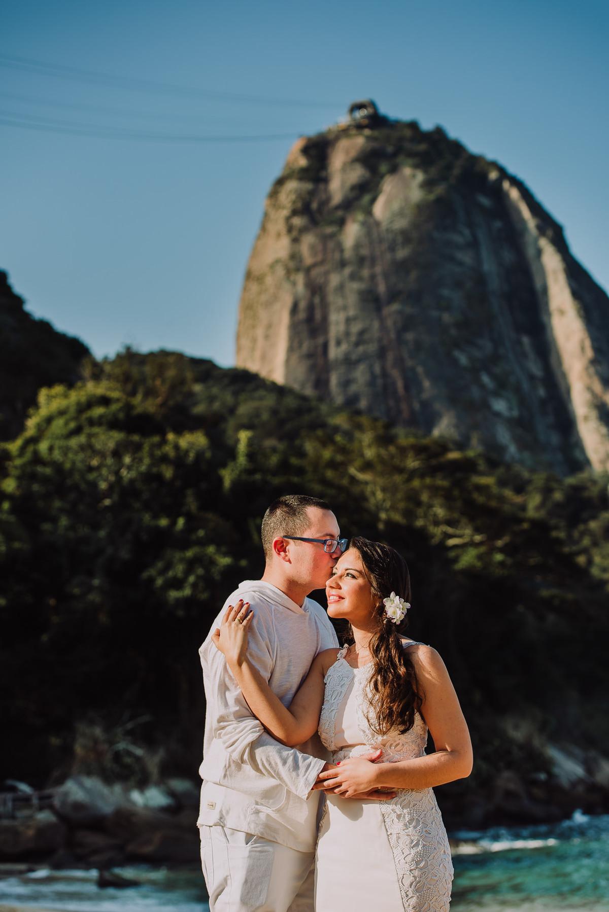 Ensaio do casal de médicos Bruna e Raphael na Praia Vermelha, Rio de Janeiro-RJ