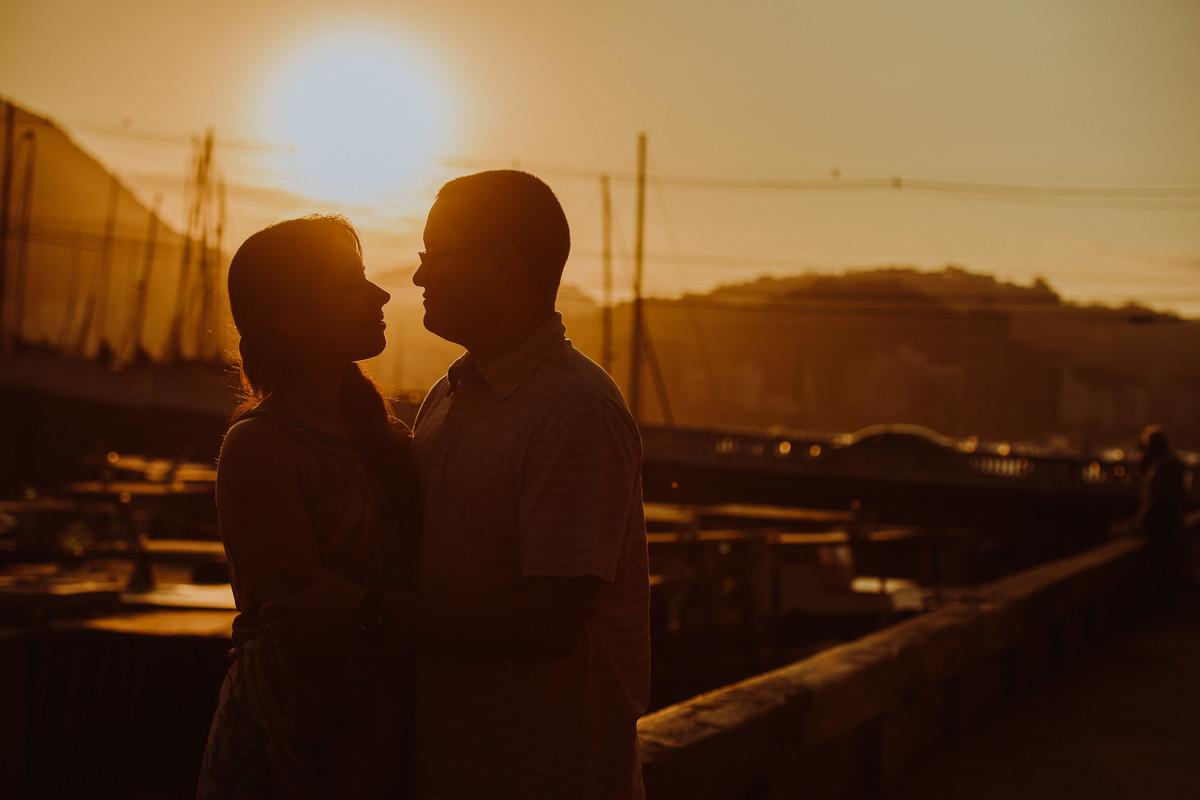 Ensaio do casal  Bruna e Raphael no pôr do sol na Mureta da Urca. Rio de Janeiro-RJ