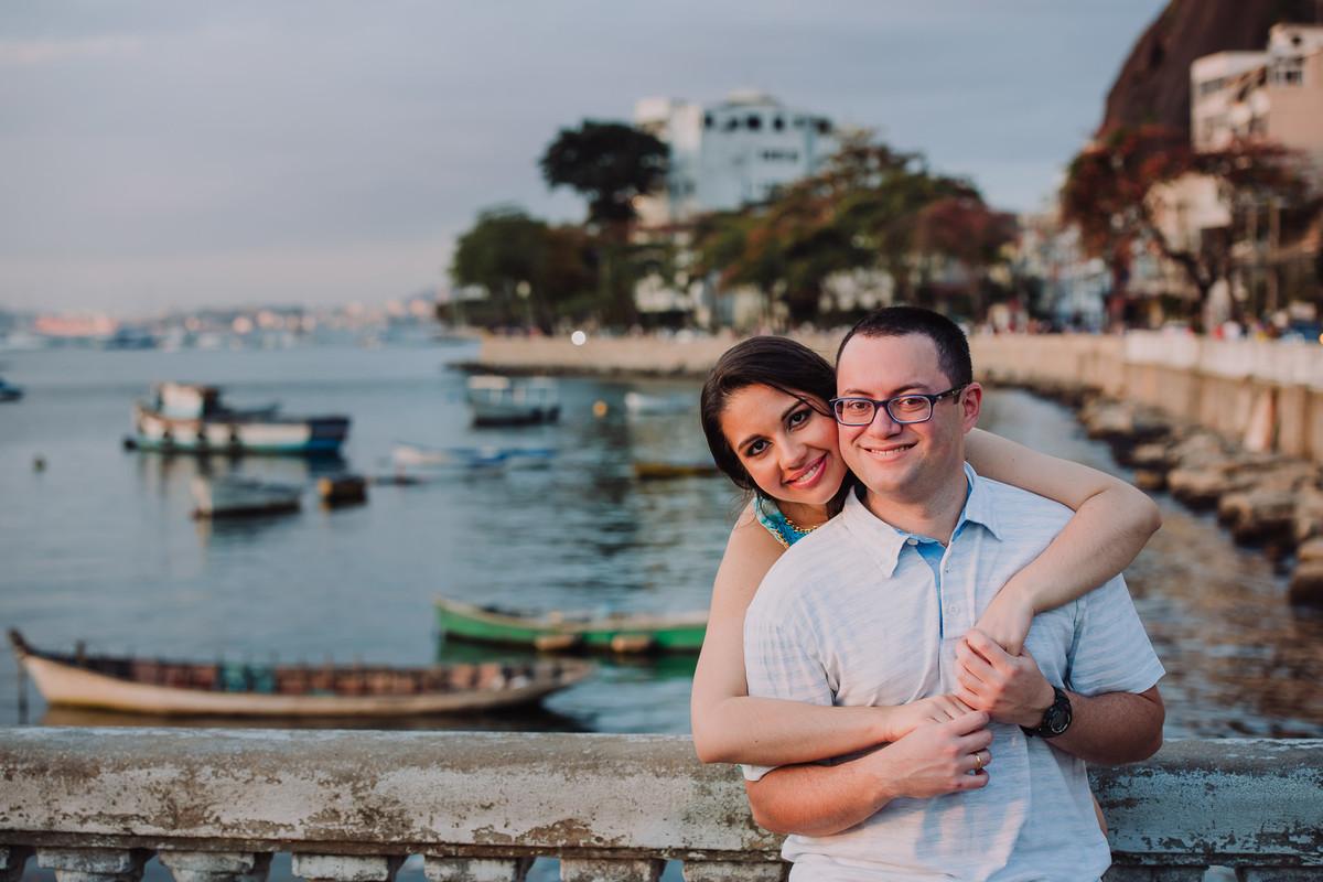 Casal Bruna e Raphael no ensaio pré-casamento, Mureta da Urca, Rio de Janeiro-RJ
