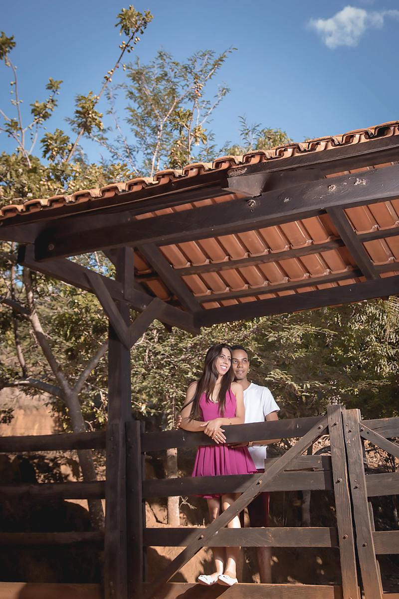 Foto no campo - Leiliane e Willian - fotografia Minaçu Goiás