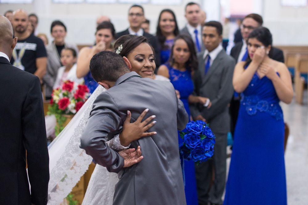 foto do joão e sabrina se abraçando