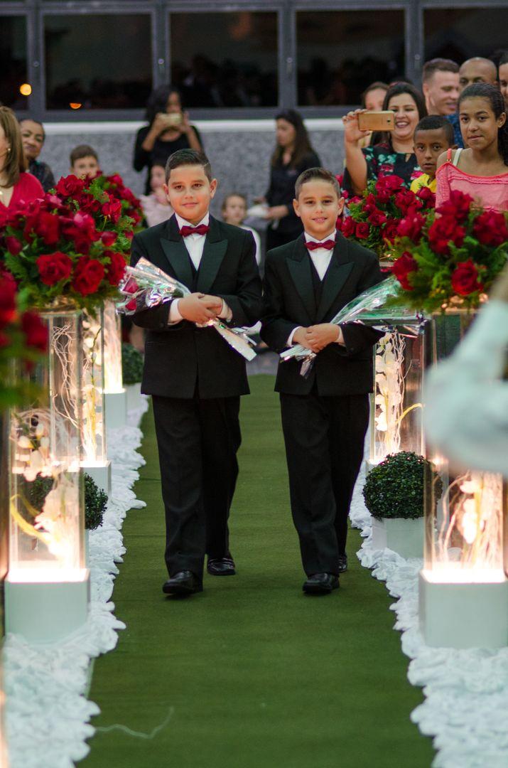 fotografia dos floristas entrando no corredor