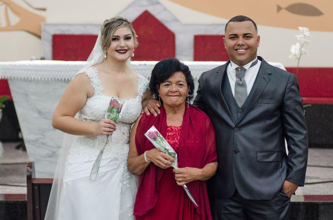 fotografia do casal com avó