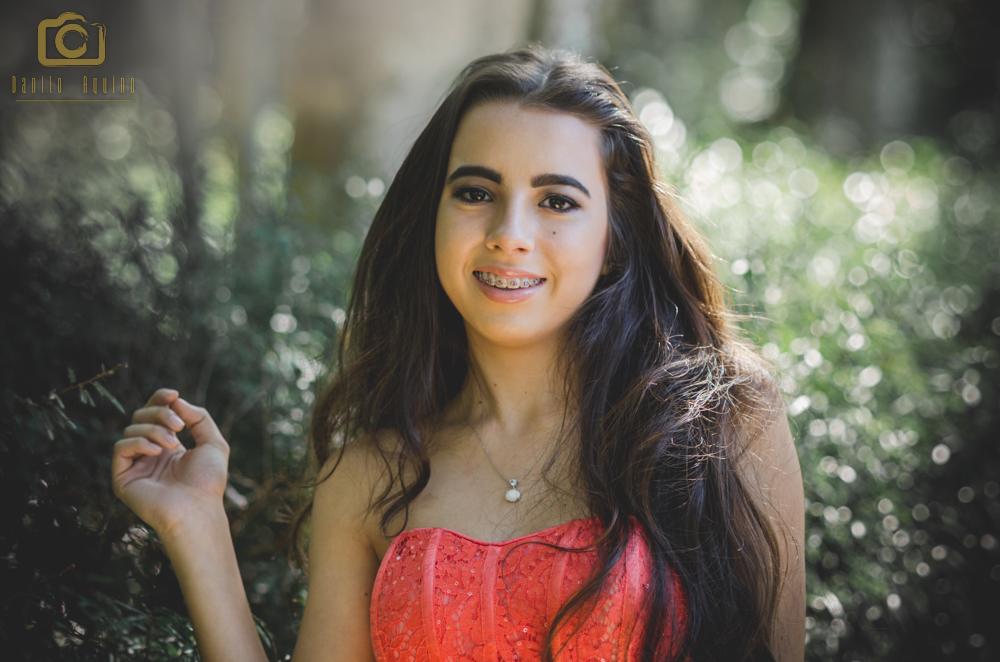 Fotografia da wendrielly com vestido vermelho sorrindo
