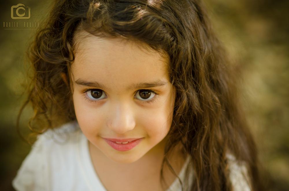 Ensaio fotográfico da princesa Lívia - com um leve sorriso