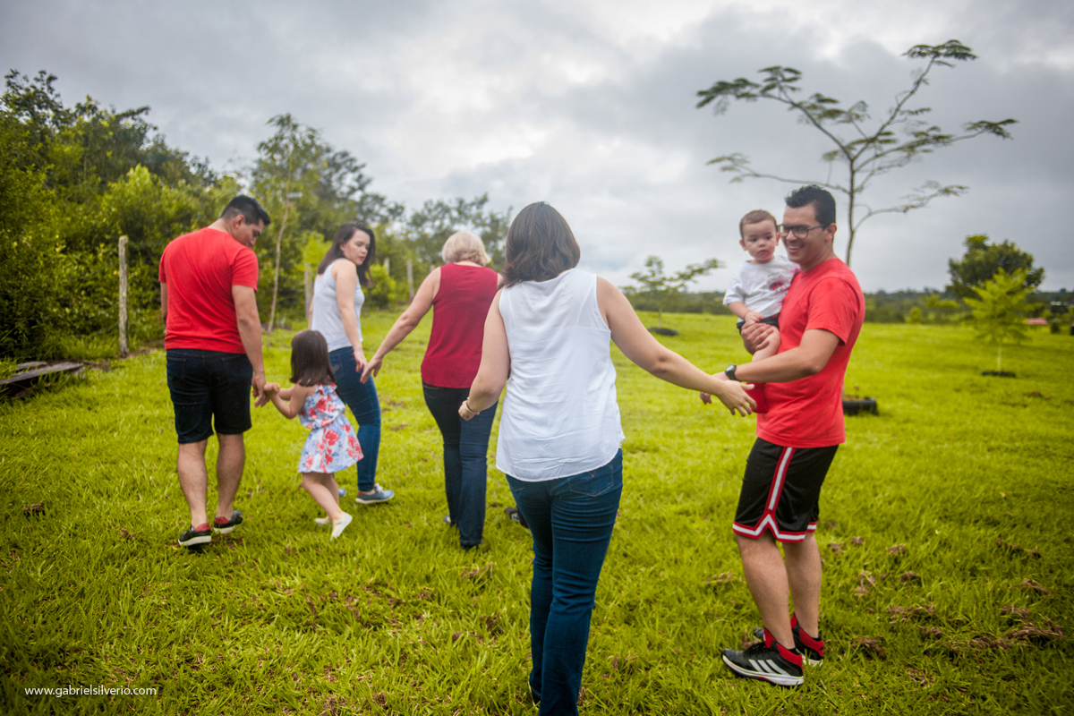 fotos-de-familias-asiaticas-familias-felizes-avós-filhos-e-netos-familia-de-camiseta-vermelha-shiokawa-por-gabriel-silvério-fotografias-vilhena-rondonia-familia-tumblr