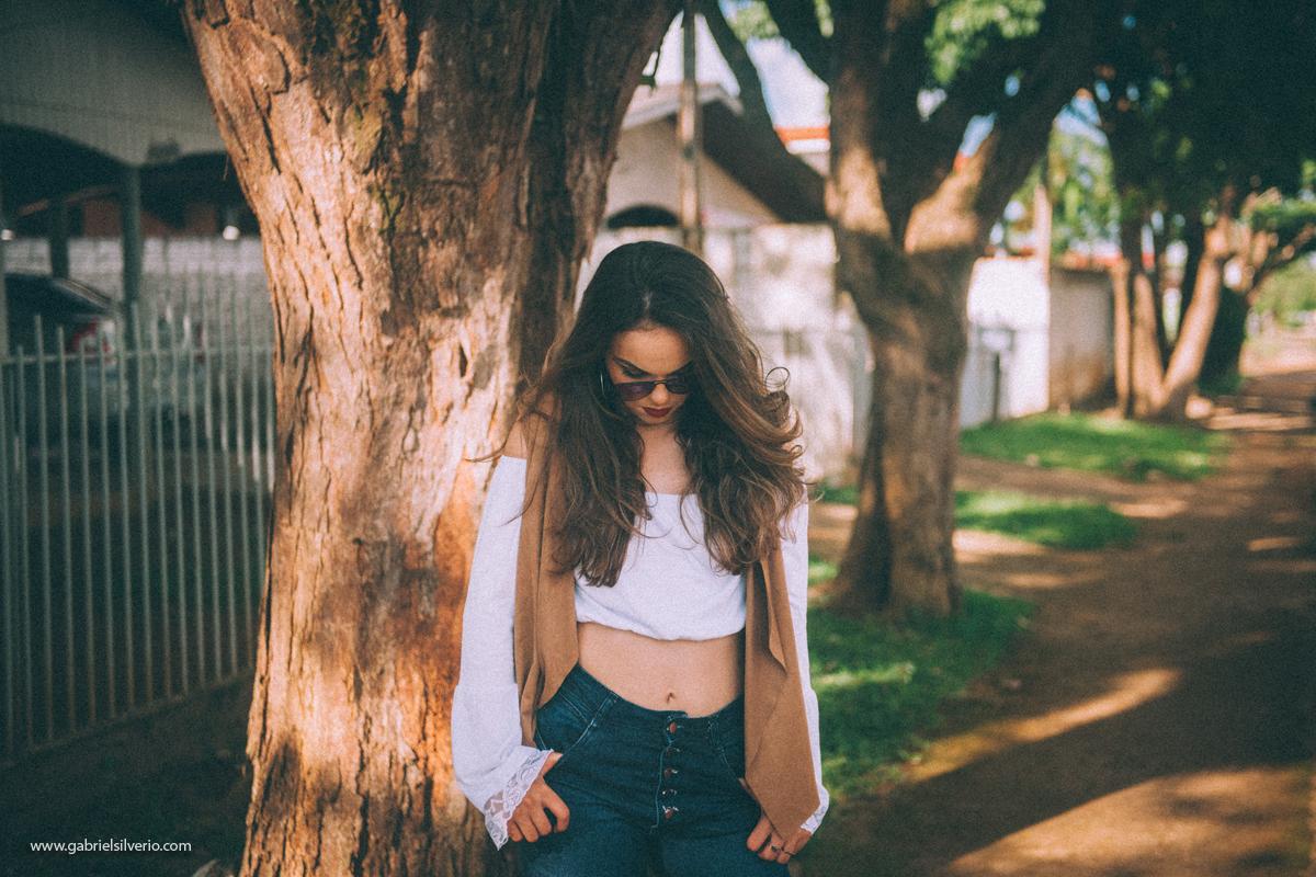 fotos-de-menina-tumblr-girl-fotos-estilo-vintage-em-loja-de-souveniers-vsco-cam-filters-nikon-gabriel-silvério-fotografo-de-rondonia-fine-art-brasil-folk-street-fotos-de-moda-lookbook
