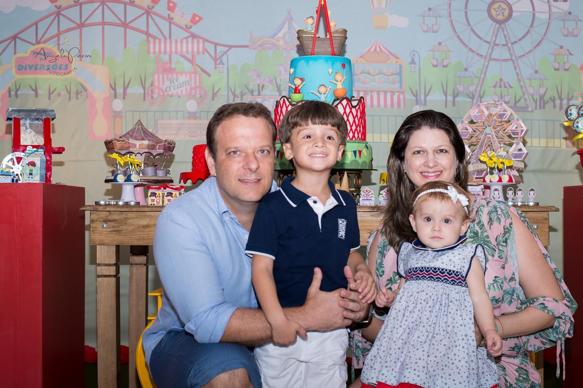 Aniversário 1 aninho Maria Alice e 4 anos Miguel  - Dindo e Dinda do gatinho Miguel