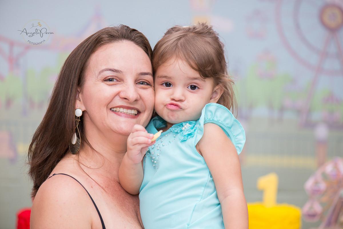 Aniversário 1 aninho Maria Alice e 4 anos Miguel  - Mariana imitando a priminha...