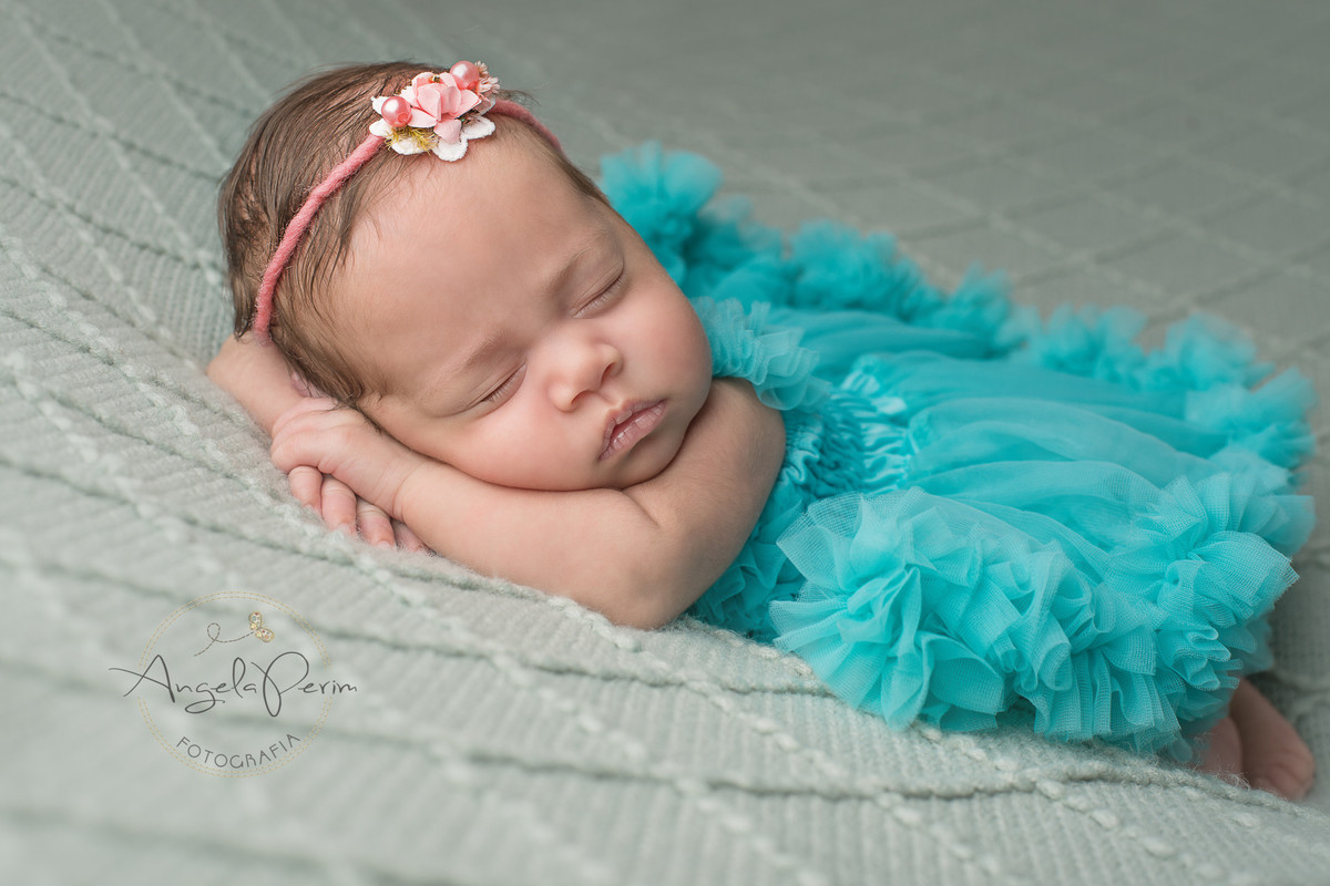 Newborn Lavínnia - 23 dias - em seu sono de beleza