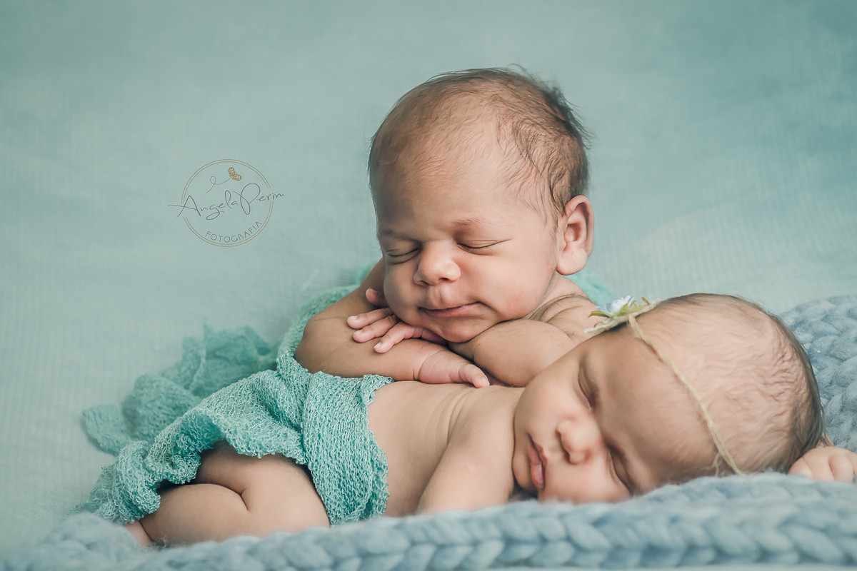 Newborn gêmeos - Flávia 29 dias